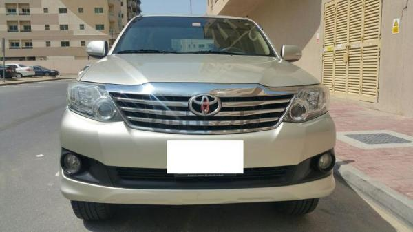 FORTUNER 2012 V4 2.7Ltr LADY DRIVEN VERY CLEAN AL FUTTAIM